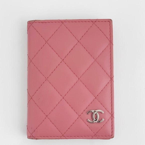 CHANEL Handbags - Chanel Quilted Card Holder